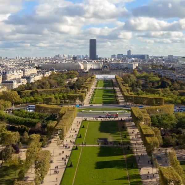 L'Agence LunaWeb présente à Paris, dans le quartier de Montparnasse